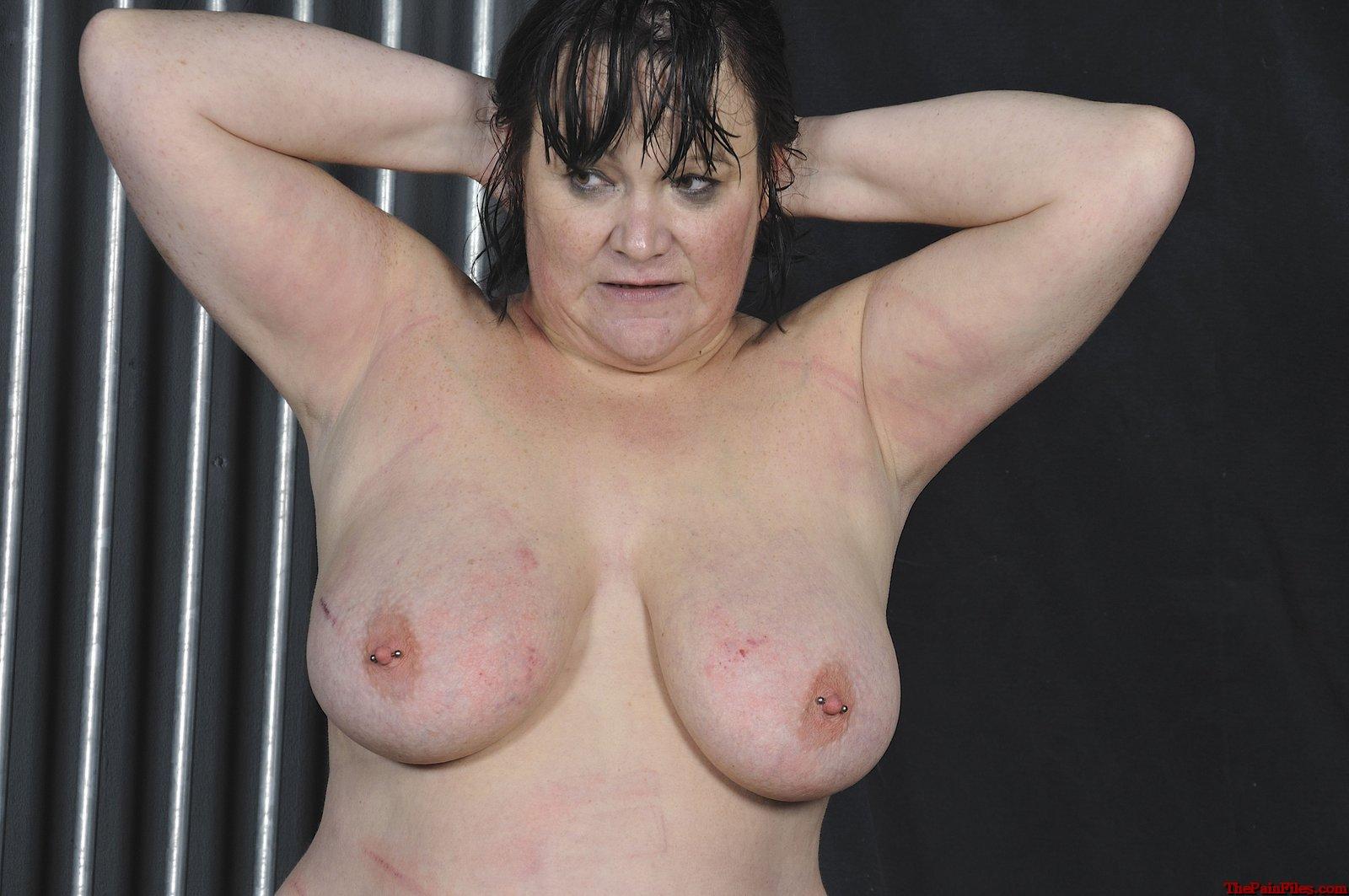 naked open legs hd