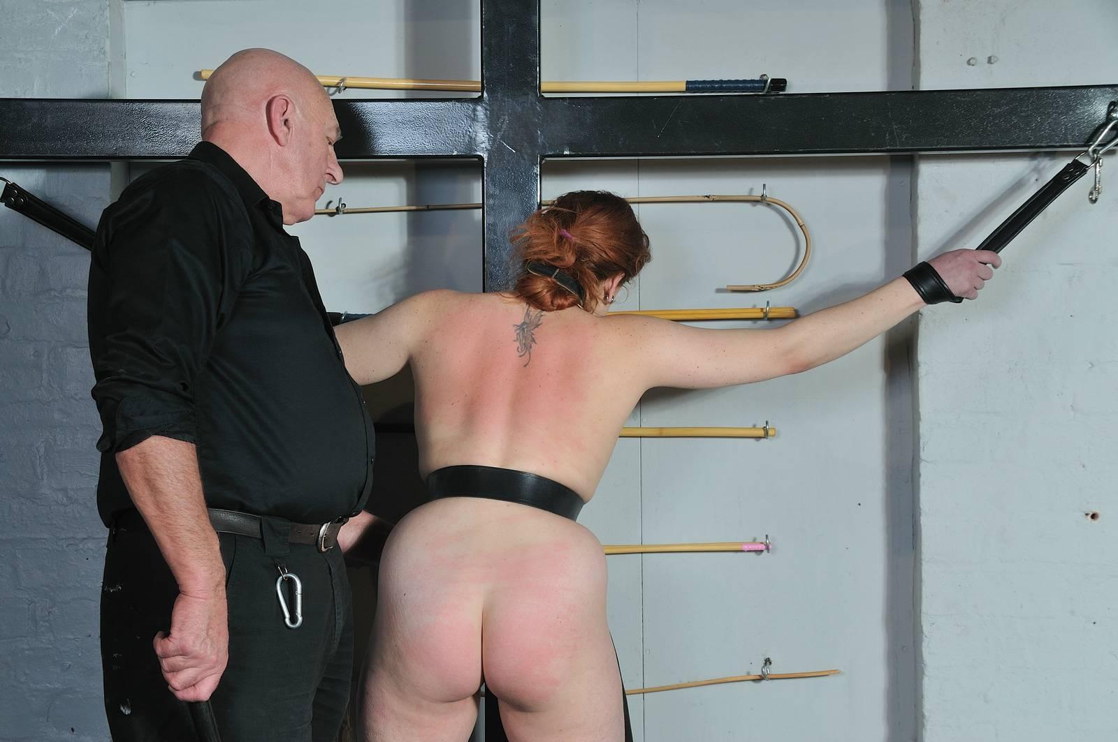 Pussy spanking porn pics